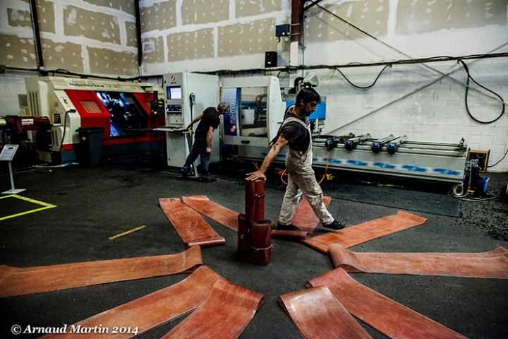 Cie Osmosis Ali Salmi: traversée ouvrier corps danse in situ